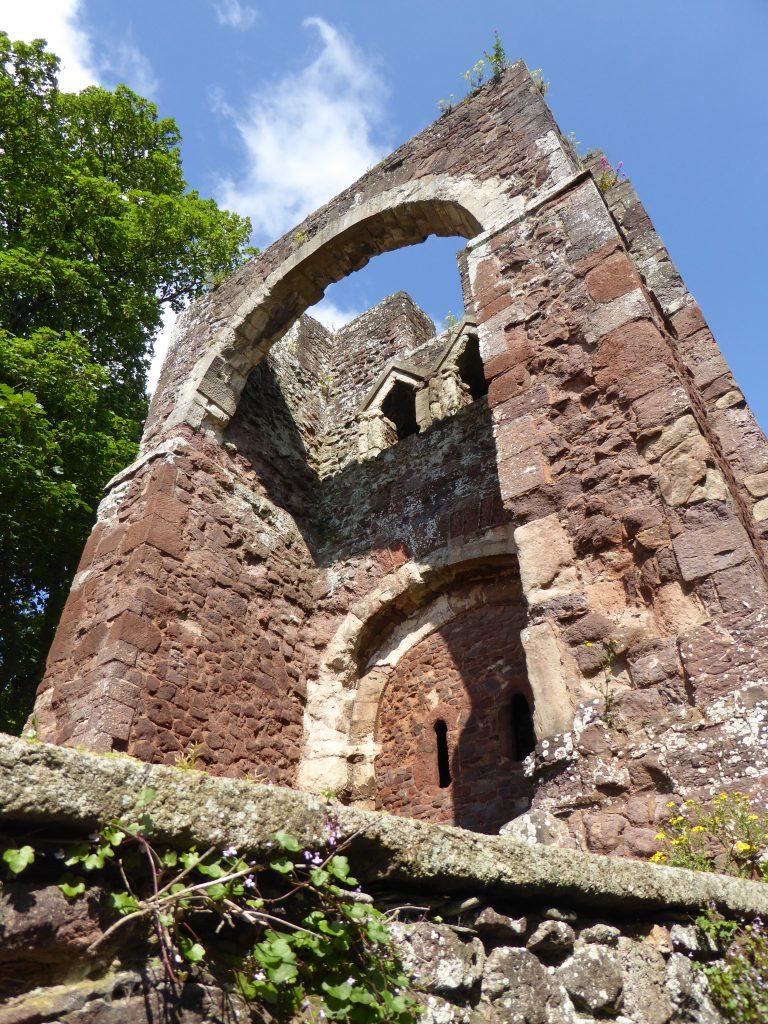 Resterne af Exeter Castle's historiske gatehouse