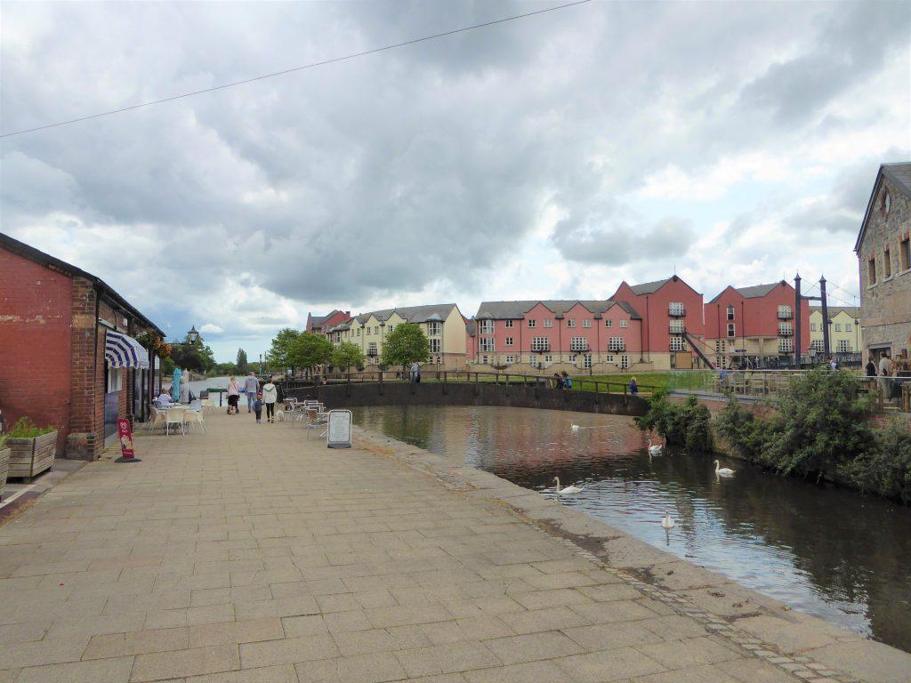 Ved floden Exe i Exeter